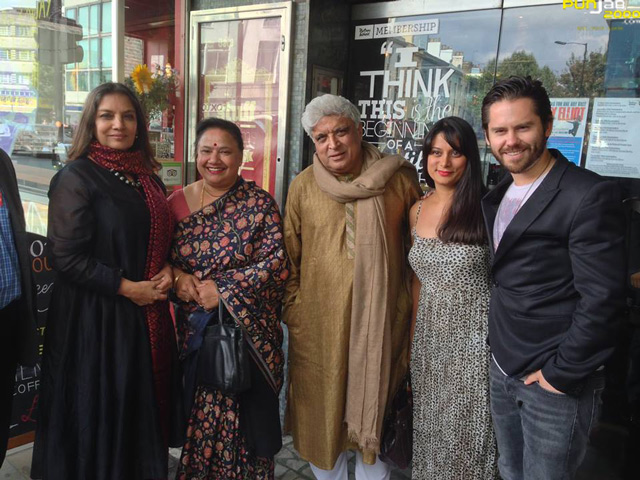 Shabana-Azmi-and-Javed-Aktar-with-Goldy-Notay-and-Martin-Delaney-(2)