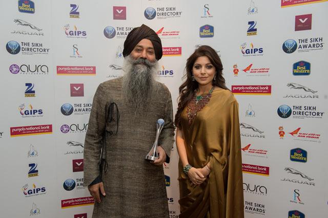 Bhai-Baldeep-Singh,-Kanika-Kapoor